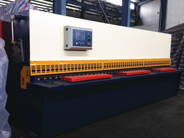 Qc 12 y- 16 x 2500 hydraulique swing beam machine à cisailler Fabrication Les fabricants, fournisseurs, exportateurs, grossistes